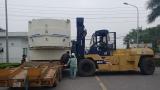 Xe nâng Đông Đô hạ, phá hòm đưa máy vào vị trí theo yêu cầu tại KCN Thạch Thất
