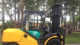 Cho xe nâng Komatsu 5 tấn tại KCN công nghệ cao Hòa Lạc giá tốt