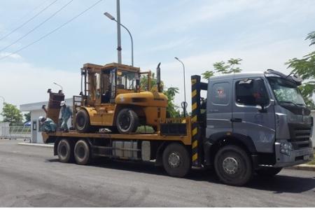 Xe tải vận chuyển hàng
